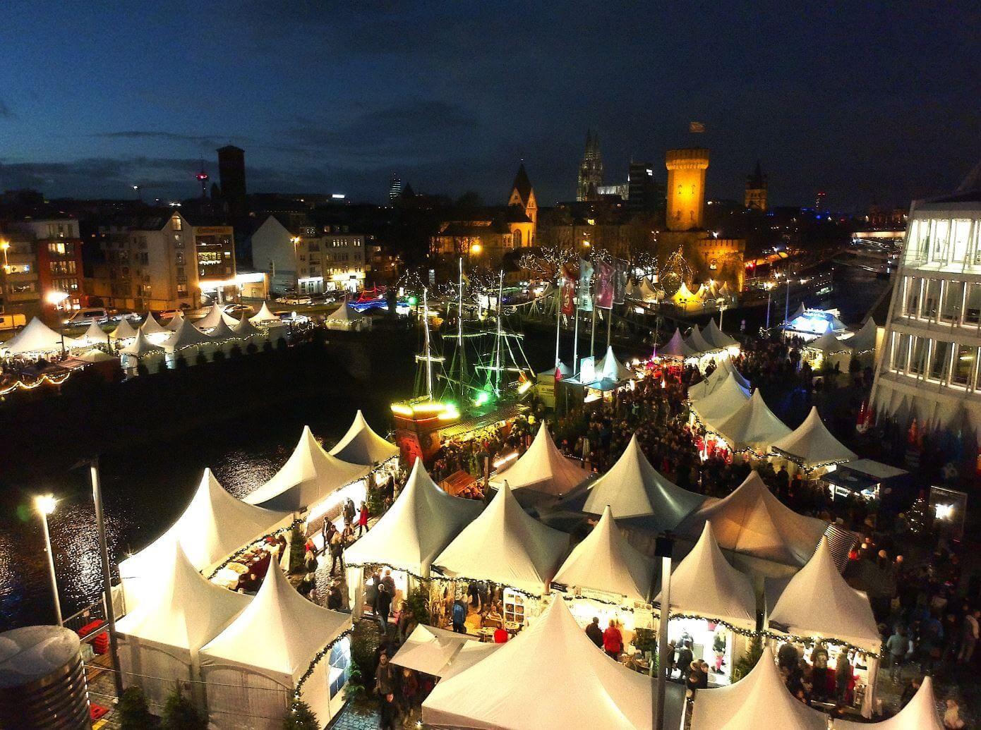 Weihnachtsmarkt Köln Rheinauhafen